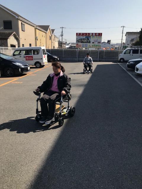 ケアセンターなのはな 定例研修  折りたたみ式電動車椅子02